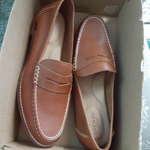 New w/box Sperry Womens Seaport Loafers